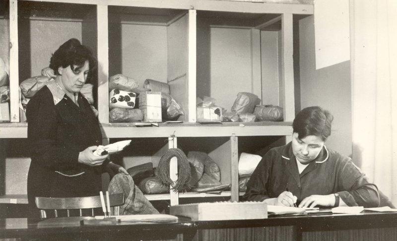 Сортировка транзитных посылок и ценных бандеролей СССР, история, ностальгия, почта, почта россии, ретро, снимки