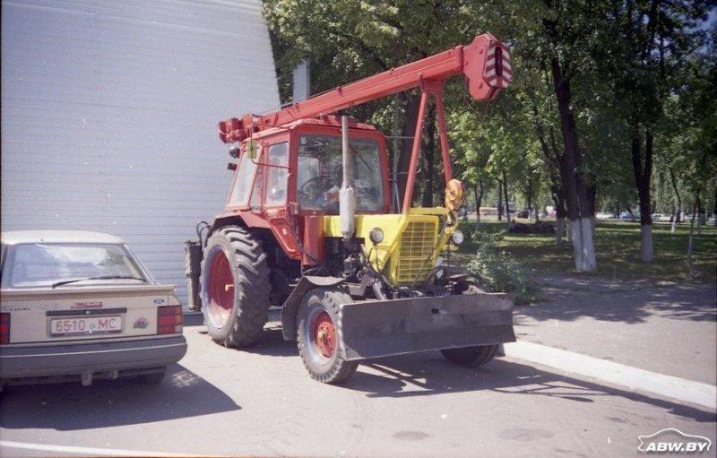 Это же утверждение справедливо и для тракторов в роли автокранов. МТЗ, авто, автомобили, беларусы, сельхозтехника, спецтехника, трактор