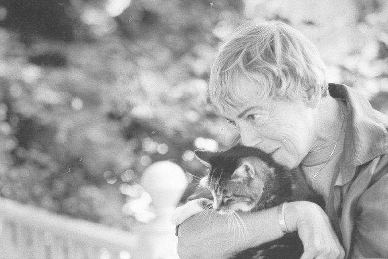Умерла писательница-фантаст Урсула Кребер Ле Гуин Писательница, Урсула Кребер Ле Гуин, смерть