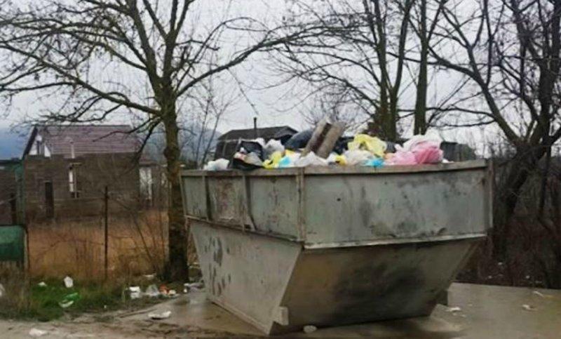 Новороссийские дачники выбросили на помойку семимесячную дочь ynews, дача, мусорка, новороссийск, полиция, ребенок, родители