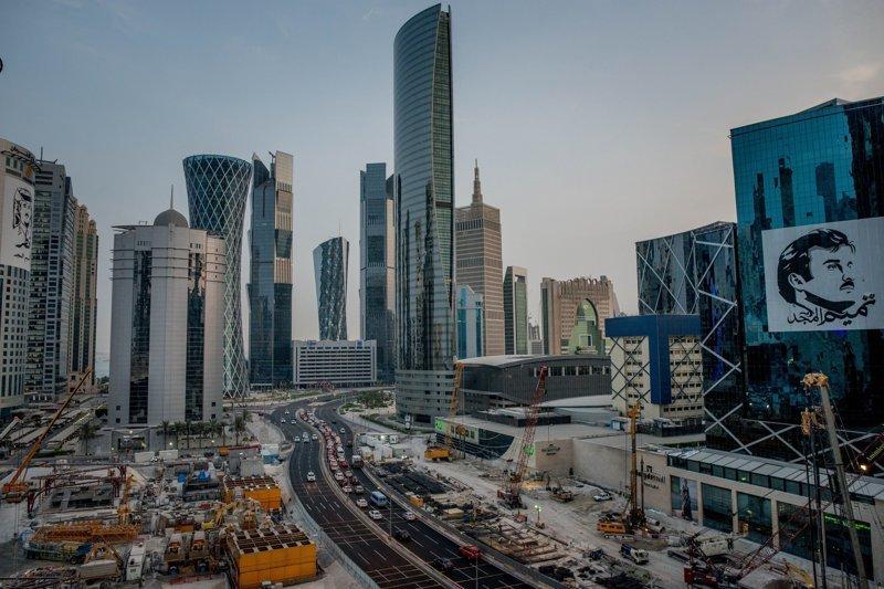 """37-летний правитель Катара опровергает обвинения, заявив в одном интервью: """"Им не нравится наша независимость. Они воспринимают её, как угрозу"""". арабские страны, ближний восток, в мире, катар, кризис, политика, факты, фото"""
