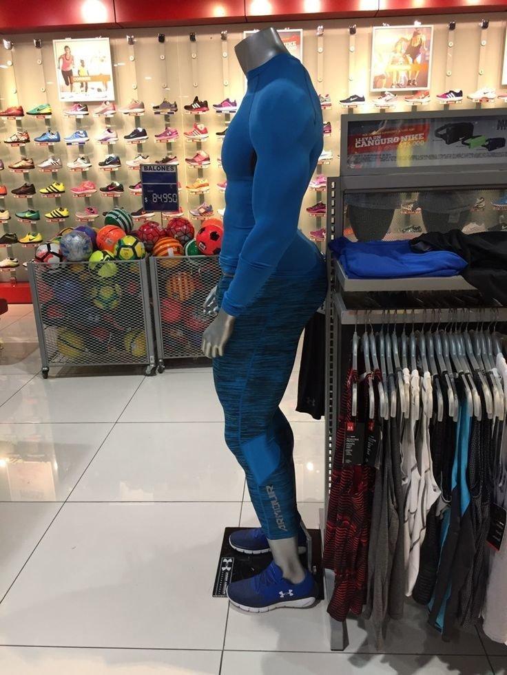 2. Разве не о такой фигуре мечтают мужчины? идея, магазин, манекен, поза, фото, юмор