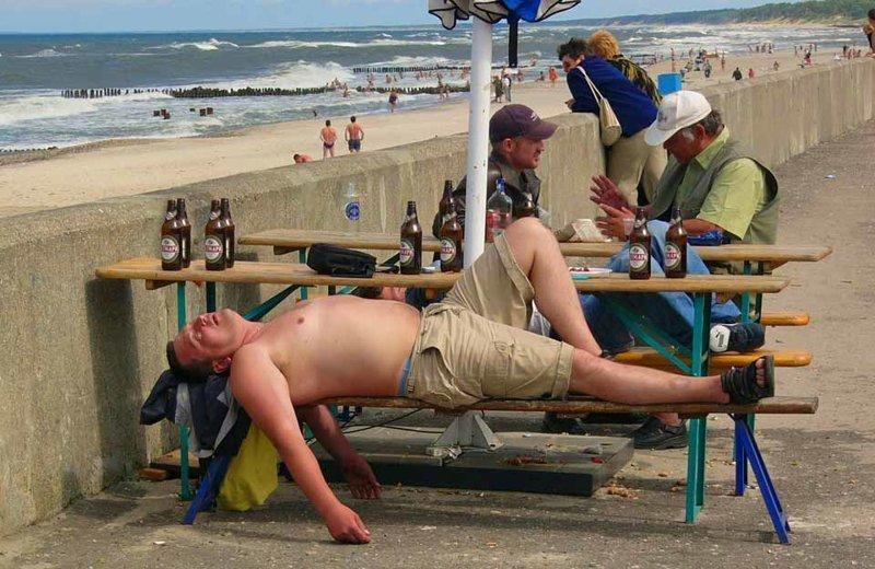 Пьяные на пляже видео фото
