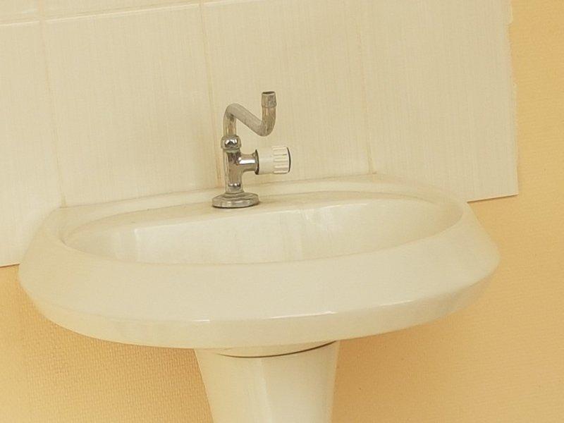 Ну зачем же так? вода, водопровод, и так сойдёт, прикол, сантехник, сантехника, смесители, что же ты такое?