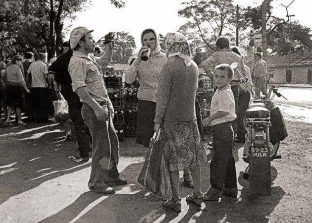 В деревне выпить и сесть на мотоцикл с дитём вообще не считалось дурным тоном СССР, алкоголь, интересное, напитки, пиво, советский союз