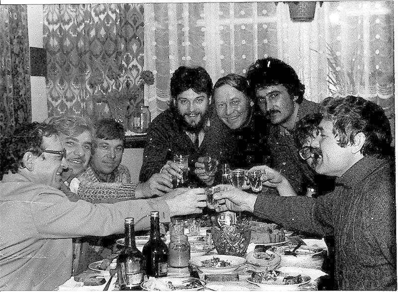 В перестройку во время сухого закона достать водку на праздник было за счастье. СССР, алкоголь, интересное, напитки, пиво, советский союз