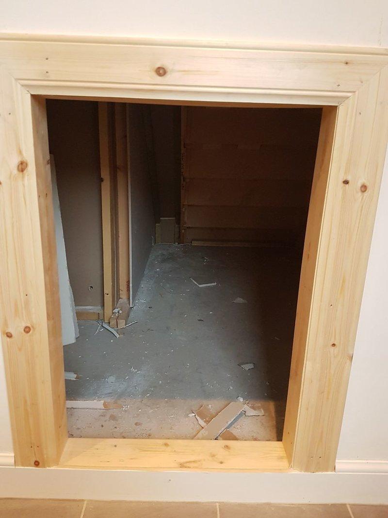 Установка дверной коробки идея, интерьер, комната, лестница, своими руками, собака, строительство