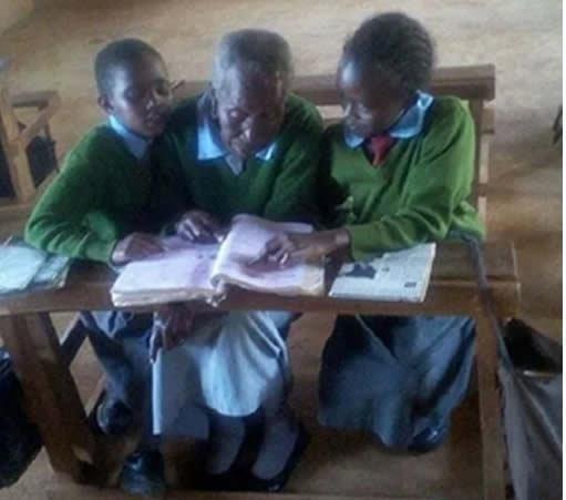 Жительница Кении пошла в первый класс, когда ей исполнилось 90 лет бабушка, возраст, женщина, история, кения, учеба, школа