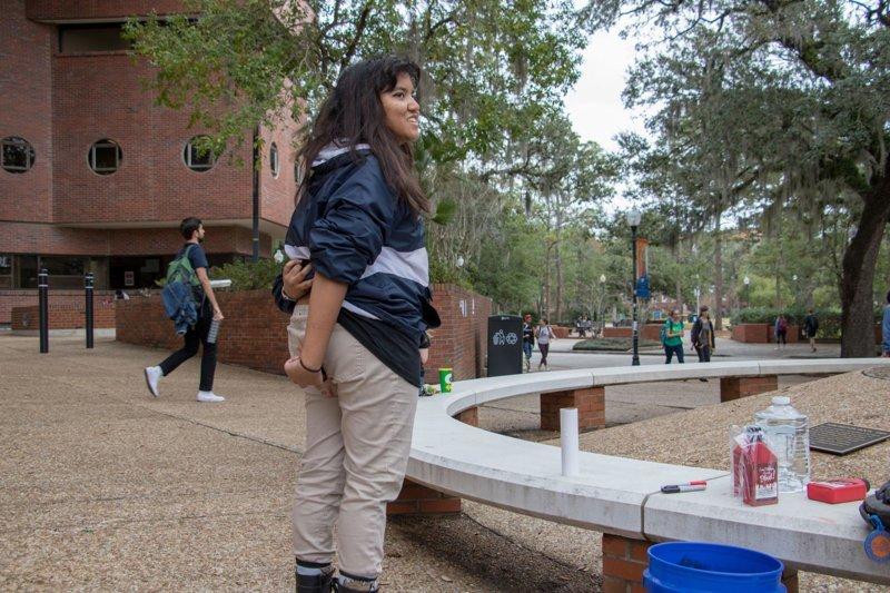 София Ахмет (Sophia Ahmed) демонстрации, новости, остановите землю, равноправие полов, студенчество, сша, я сойду