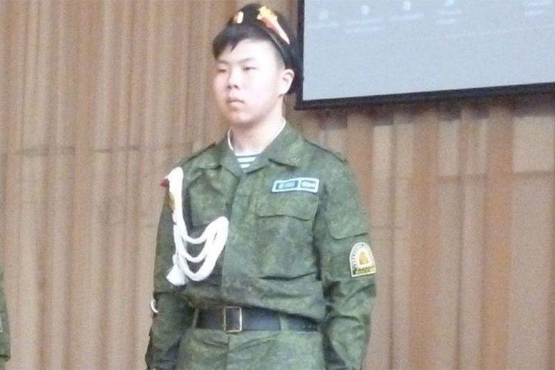Пока один подросток с топором крушил школу в Улан-Удэ, другой - спасал детей Улан-Удэ, герой, школьники