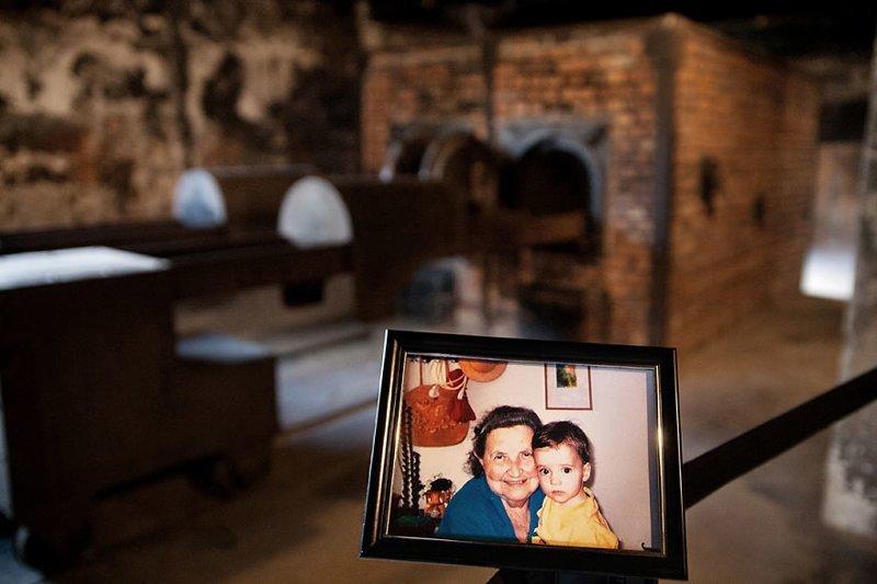 Мириам с правнуком (4-е поколение) выжившая, день памяти, освенцим, память жива, поколения, семья, фотопроект, холокост
