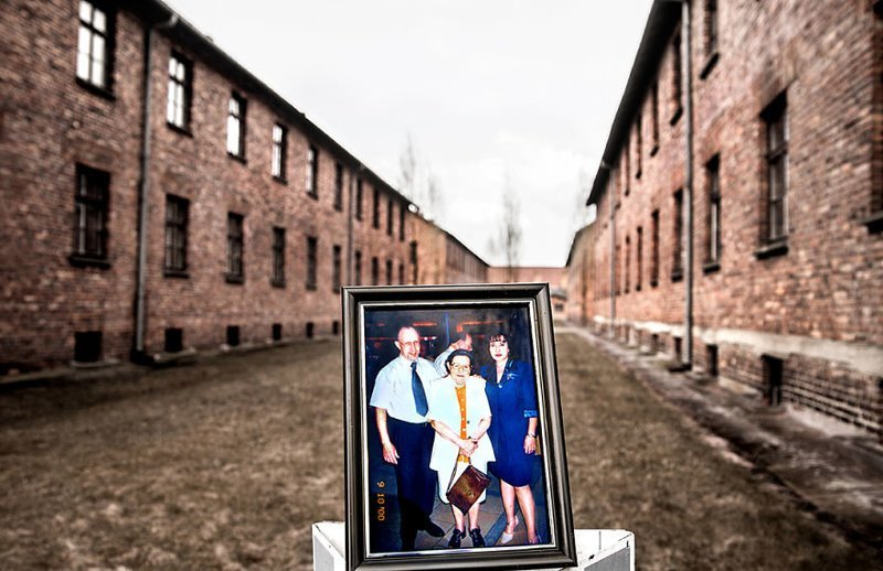 Мириам с сыном и дочерью выжившая, день памяти, освенцим, память жива, поколения, семья, фотопроект, холокост