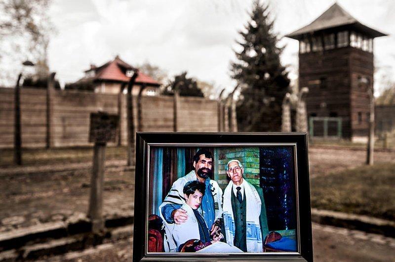 Церемония бар-мицвы Ноама (3-е поколение) выжившая, день памяти, освенцим, память жива, поколения, семья, фотопроект, холокост