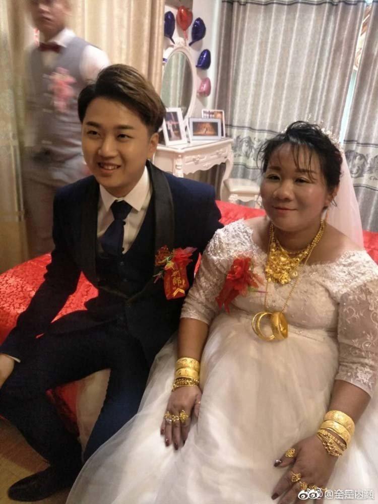 Невеста показала и дала