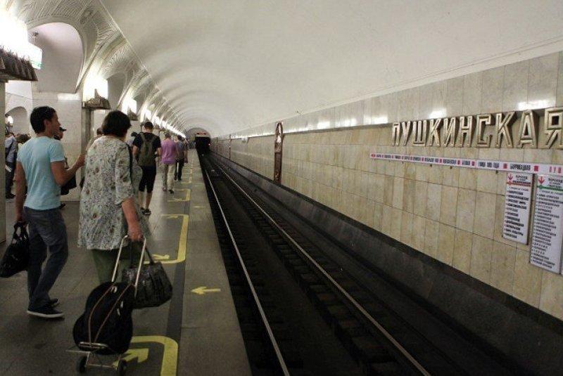 Секс в метро московском