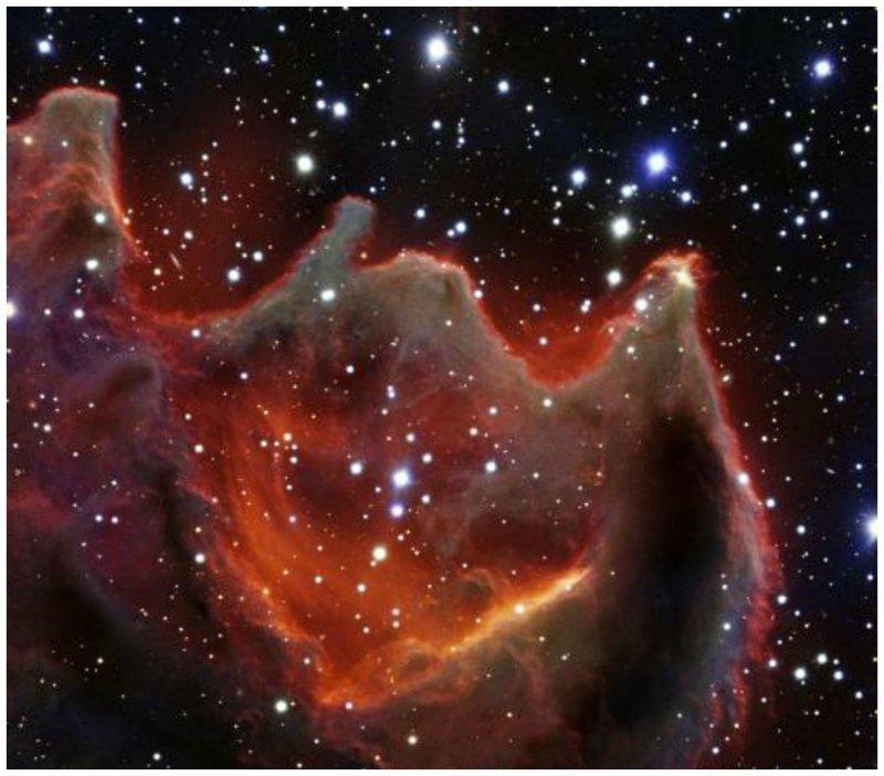 Регион формирования звезд CG4 находится в созвездии Корма на расстоянии примерно 1300 световых лет от Земли интересное, космос, красота, наука, фото