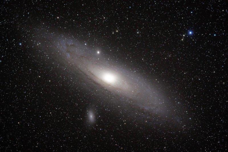 Спиральная галактика NGC 4980 интересное, космос, красота, наука, фото