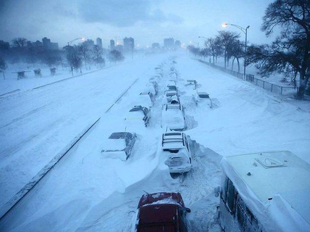 Вот такую апокалиптическую картину видели жители многих городов зима, казань, москва, погода, прикол, санкт- петербург, снег, юмор
