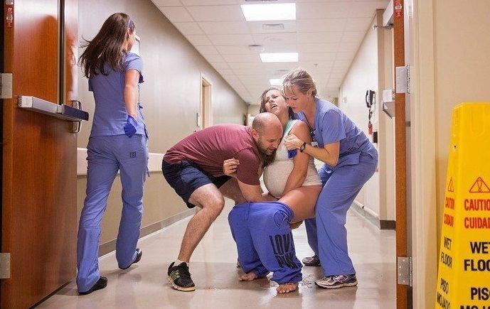 Вот такие они, стремительные роды: на полу, но с фотографом! Счастливый конец, беременность, госпиталь, неожиданности материнства, опоздали, роды, рождение ребенка, стремитеьные роды
