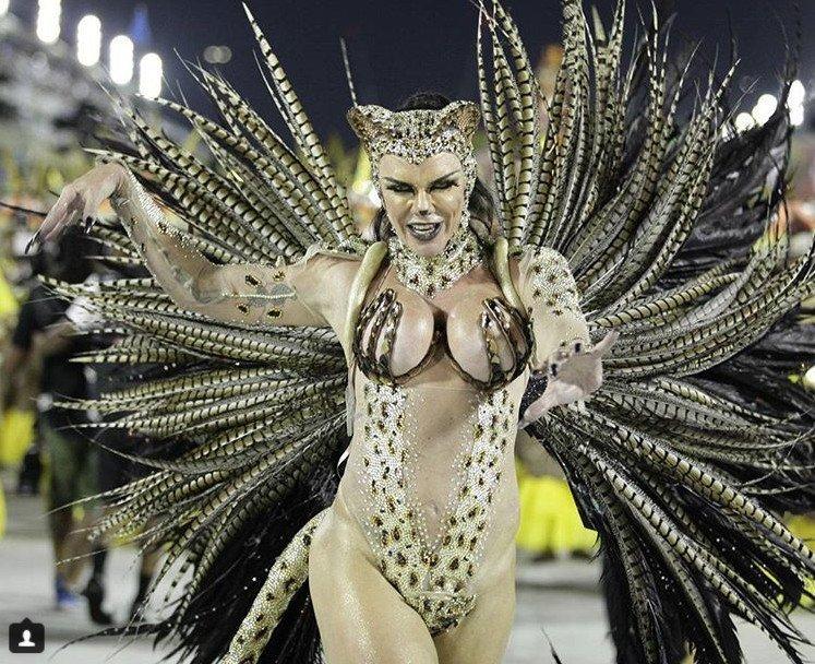 Влагалище увеличенном откровенные девушки карнавал в рио де жанейро грудастая
