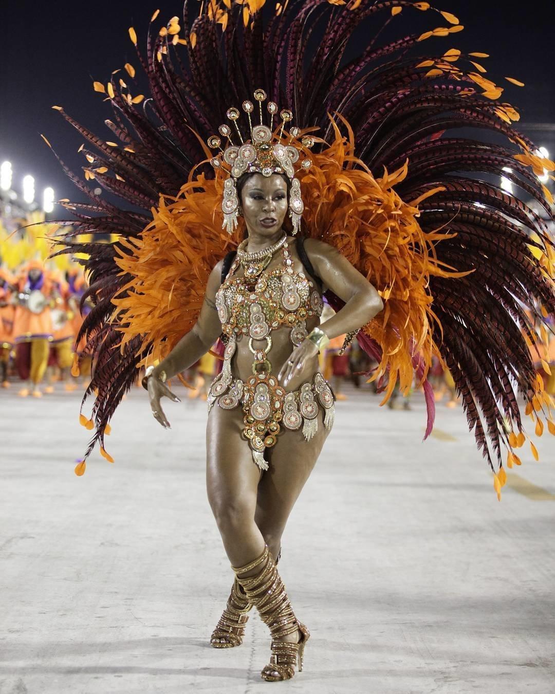 секс карнавал в рио-де-жанейро онлайн что эту