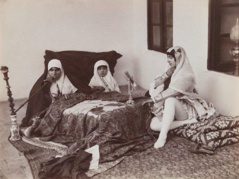 2. Всем известно, что у мусульманских шахов была не одна жена гарем, девушка, история, наложницы, султан, фото