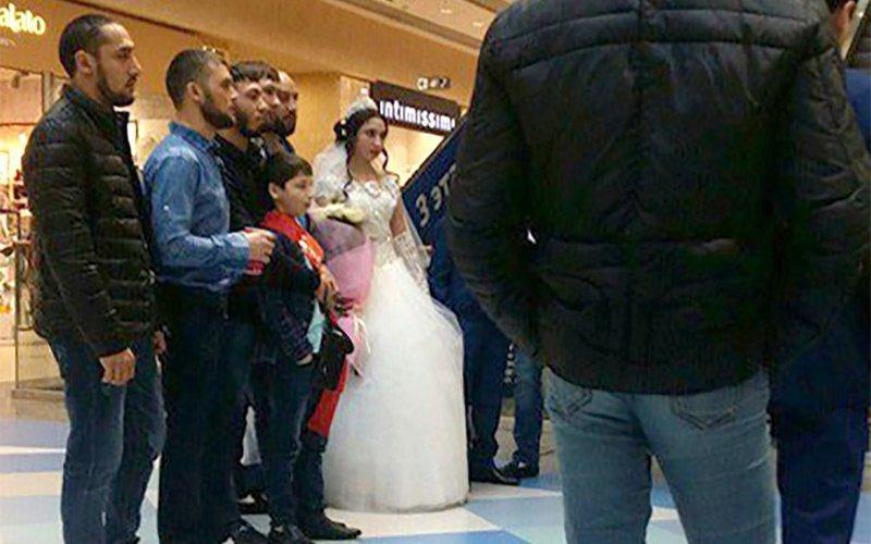 Цыганские свадьбы с красной простыней видео