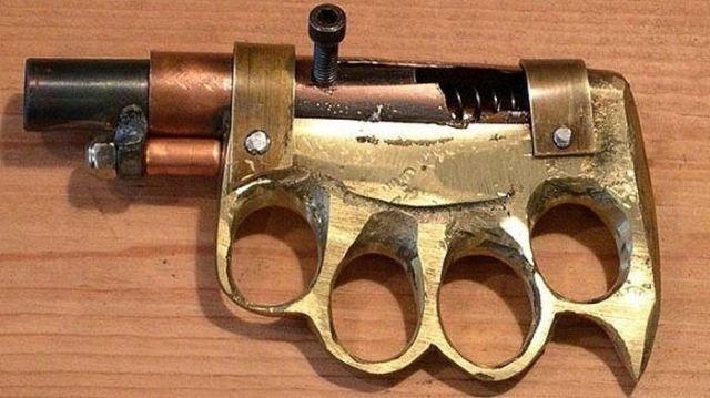 Пистолет-кастет Тюрьма, заключенные, зона, очумельцы, тюремные поделки