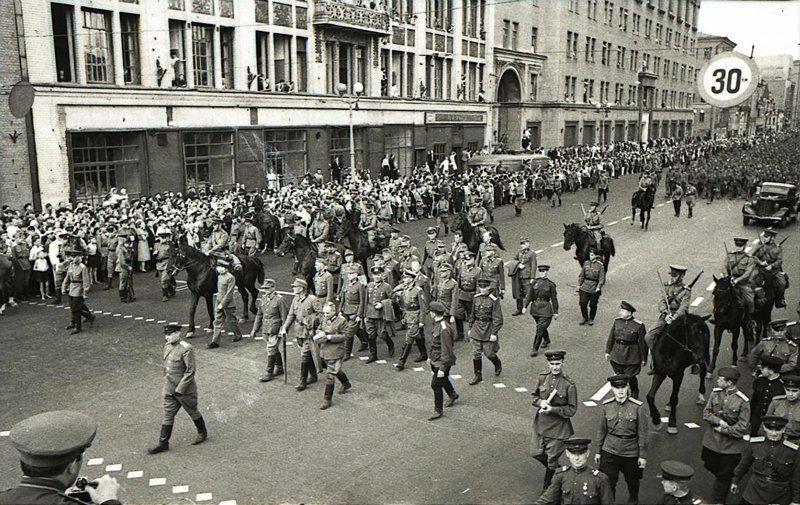 Мнение француза о русском народе Великая Отечественная  война, Победа за нами, СССР, пленные немцы