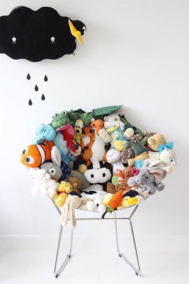 7. Кресло из старых игрушек интересно, на все руки мастер, поделки, рукоделие, своими руками, старые игрушки, фото