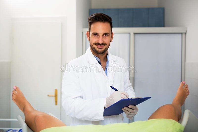 Фото баб у гинекологов, видео группового секса