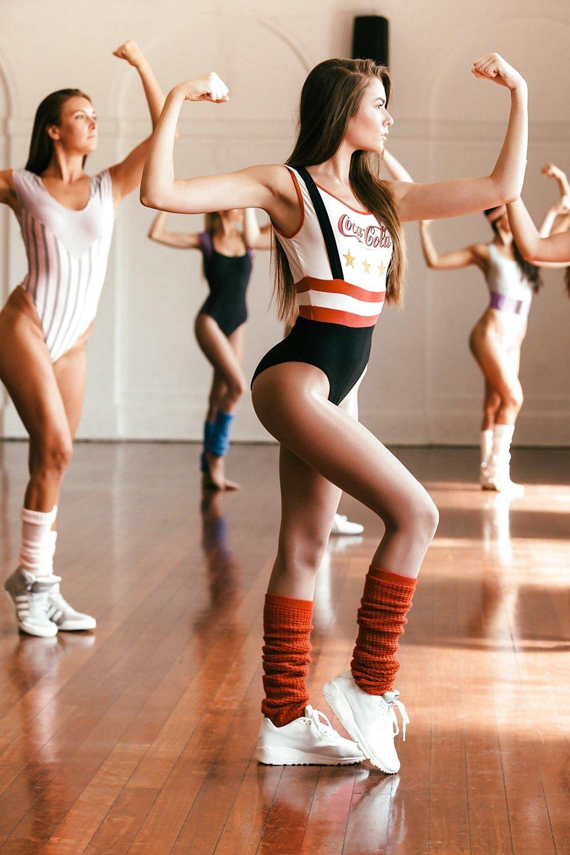 ритмическая гимнастика девушек в нижнем белье видео фото - 3