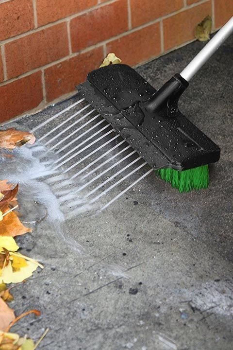 7. Такой щеткой удобно чистить тротуар после долгой зимы Садовод, дача, инструменты, полезно, фото