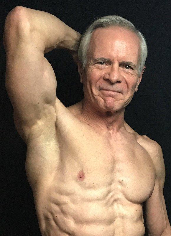 Каждый день Билл проводит в тренажерном зале минимум 2 часа, и занимается 6 дней в неделю Instagram, Instagram-аккаунты, блогер, пожилые, спорт, фитнес, фитнес мотивация, фото