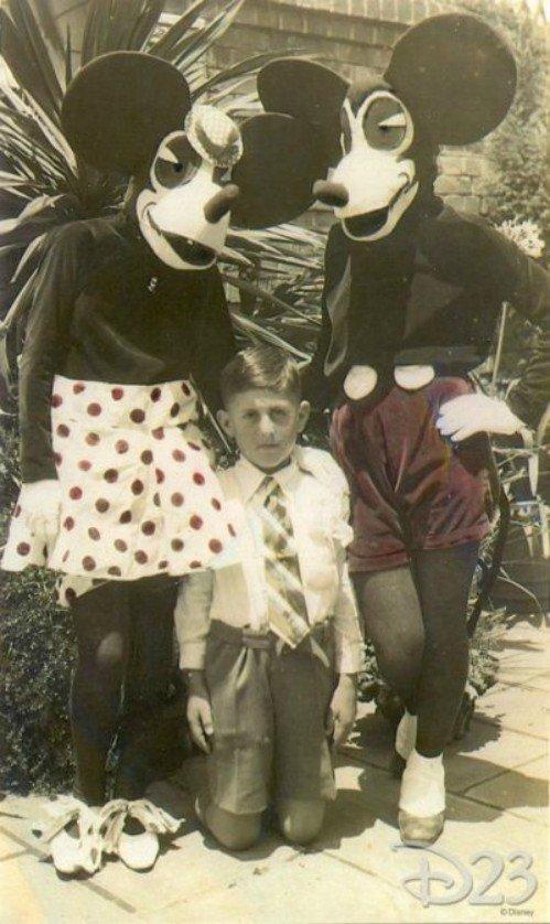 17. Страшно? Так выглядели первые Минни и Микки Маус. Парк Дисней, 1939 год. Жуткие фото, жуткое, подборка, странные фото, страшно, фото, фотошоп, шок