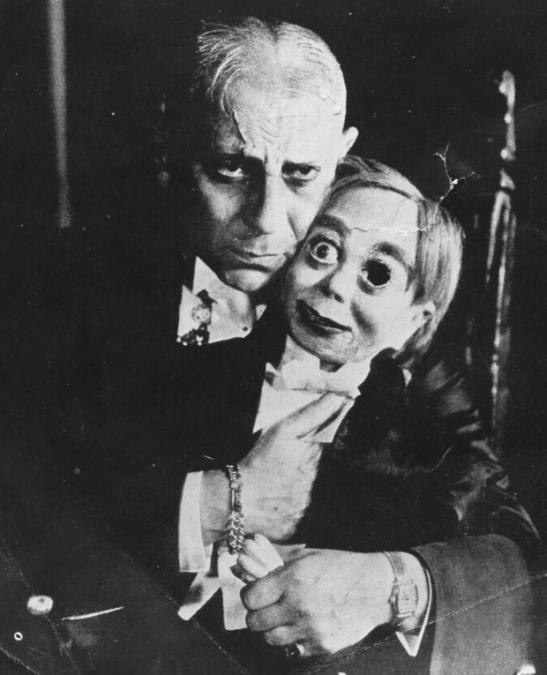 """19. Чревовещатель, который сошел с ума. Кадр из фильма 1929 года """"Большой Габбо"""". Жуткие фото, жуткое, подборка, странные фото, страшно, фото, фотошоп, шок"""
