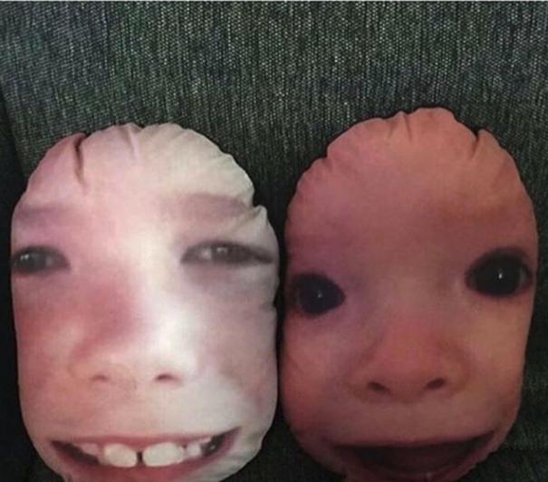 """10. """"Подушки с лицами племянников будут хорошим подарком для сестры - думала я, пока не увидела результат"""" Жуткие фото, жуткое, подборка, странные фото, страшно, фото, фотошоп, шок"""