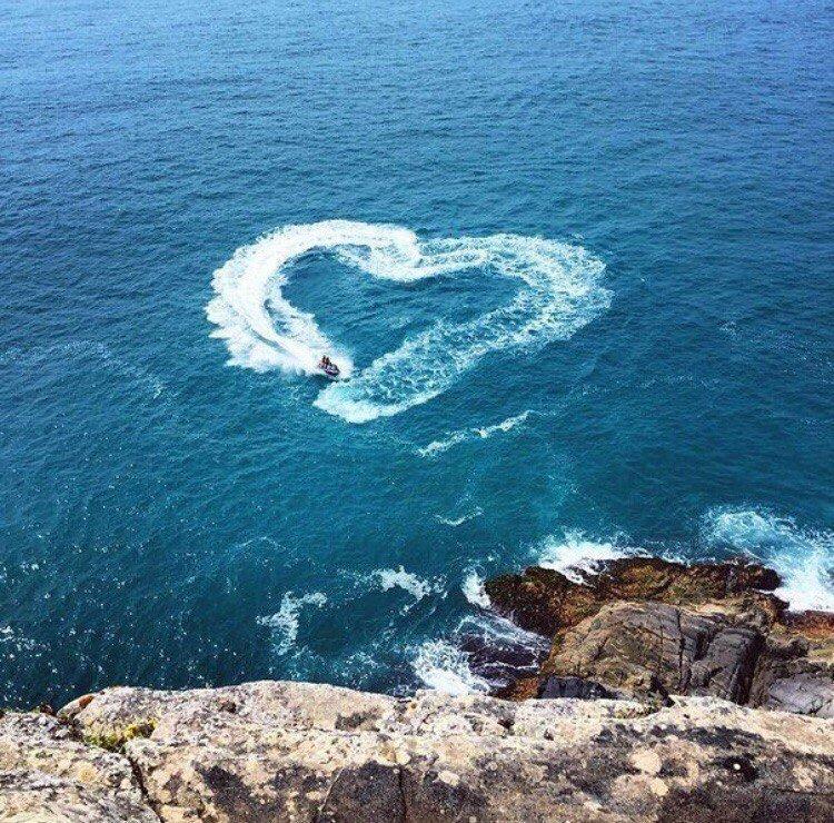 море сердце фото в