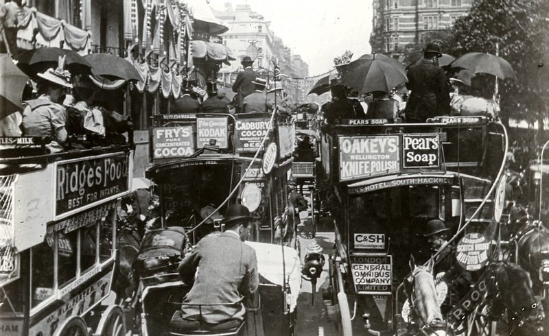 2. Лондонские автобусы, 1900 было стало, интересно, история, пробки, пробки в москве тогда и сейчас, факты, фото