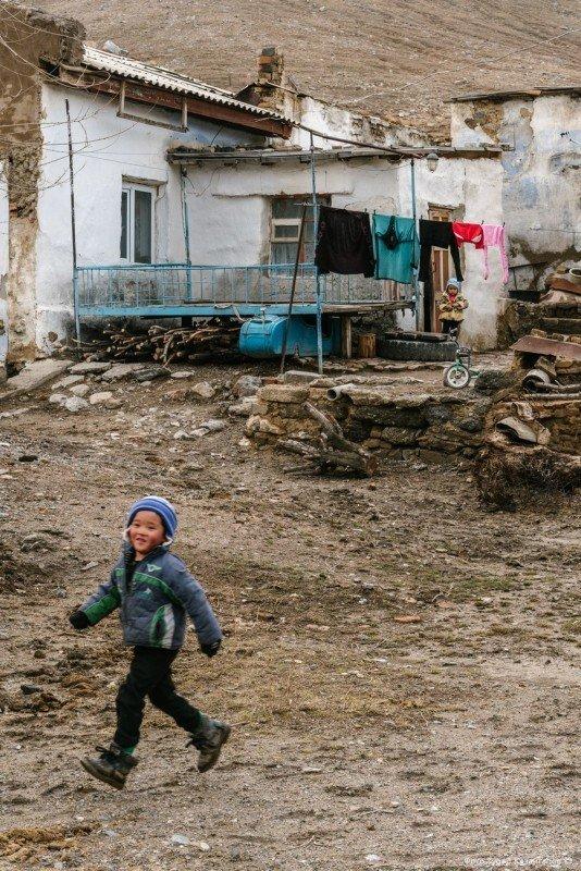 В Ачисае из 2176 человек 1182 числятся как экономически активное население, то есть это те, которые могут работать. жизнь, за гранью, казахстан., ситуация, факт