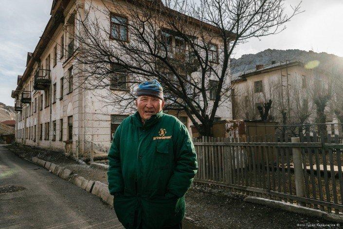 «Я проработал 33 года на шахте, сейчас мне 80, и вот уже больше 20 лет я на пенсии», — говорит Тойлен Омбаев. жизнь, за гранью, казахстан., ситуация, факт
