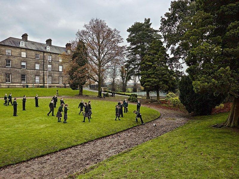 Stonyhurst College, Ленкшир, Англия дети, игровые площадки, мир, путешествия, страны