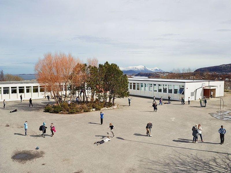 Gomalandet Skole, Кристиансунн, Норвегия дети, игровые площадки, мир, путешествия, страны