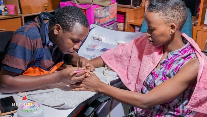 Счастливым кенийским бомжам устроили съемку лав-стори ynews, бомжи, лавстори, новости, подарок, фото