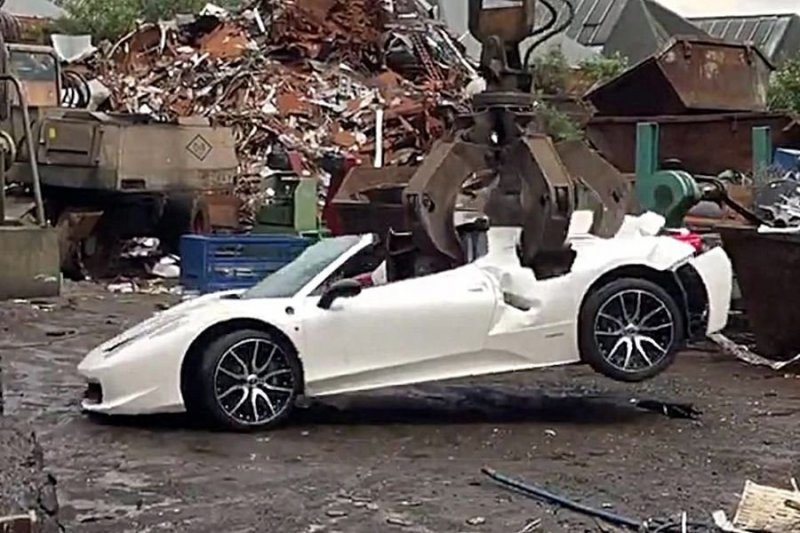 В Великобритании по ошибке утилизировали суперкар Ferrari ferrari, ferrari 458, авто, видео, конфискация, спорктар, суперкар, утилизация