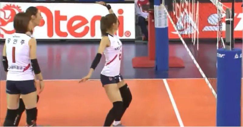 Корейская волейболистка повеселила зрителей и судей своими позитивными победными танцами видео, волейбол, девушка, корея, позитив, прикол, спорт, танец