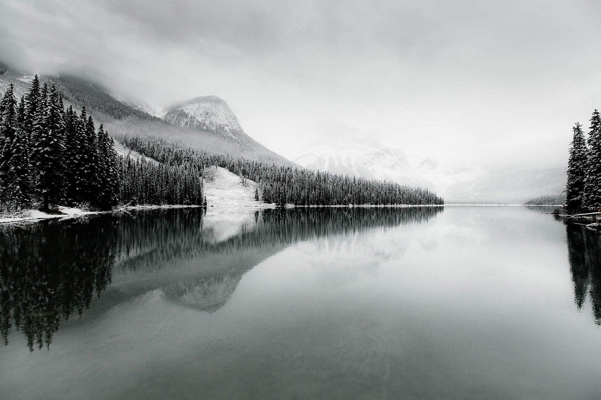 Озеро Эмералд в снегу, Канада. Фотограф - Вэнь-Лунг Ли Sony World Photography, Sony World Photography Awards 2018, лауреаты, лучшие фото, лучшие фотографии, победители, победители конкурса, фотоконкурс