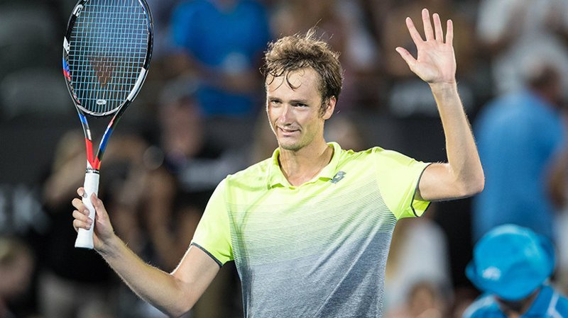 «Тебе лучше заткнуться»: теннисист Медведев ответил сопернику, оскорбившему его по национальному признаку конфликт, спор, теннис