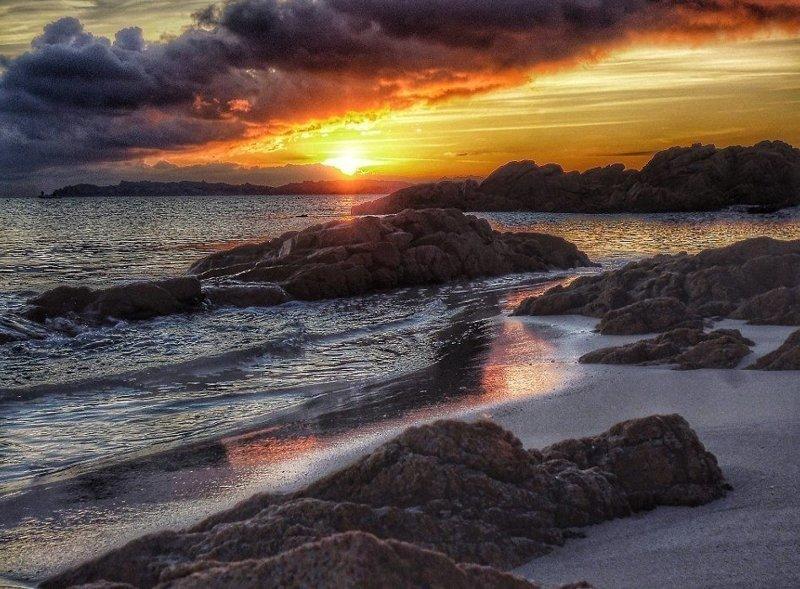 """""""Если я буду вынужден покинуть остров, возможно, поеду на Сардинию и буду жить у моря, но точно не вернусь в большой город"""" Буделли, Моранди, жизнь, италия, мир, остров, отшельник, фотография"""
