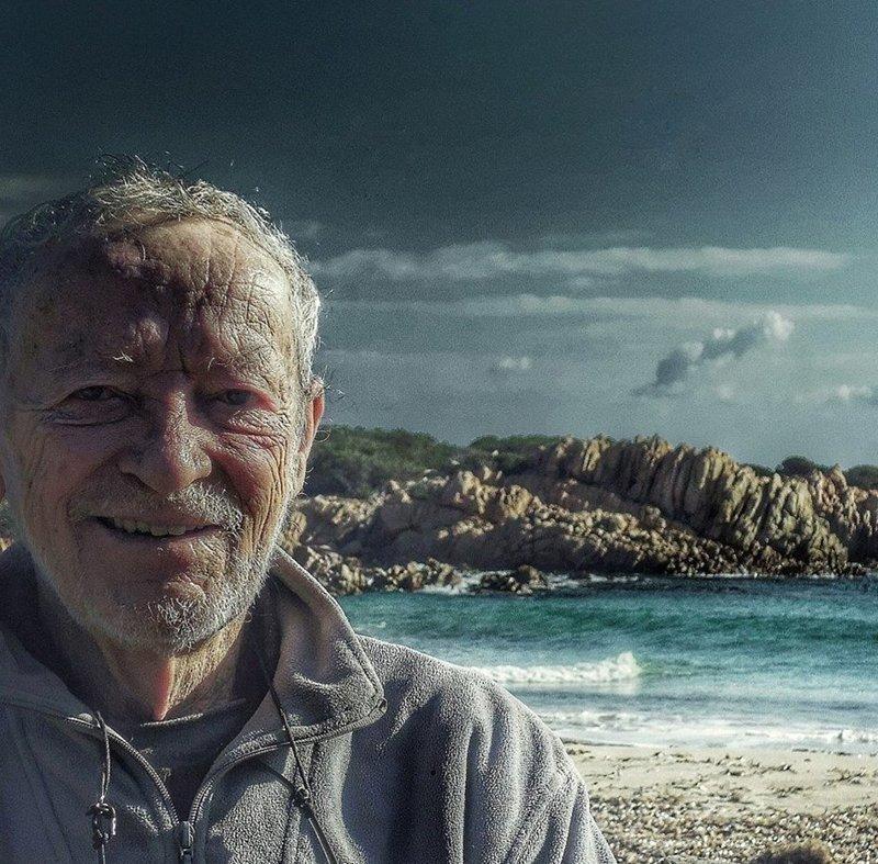Мауро Моранди называет своим домом остров Буделли с 1989 года  Буделли, Моранди, жизнь, италия, мир, остров, отшельник, фотография